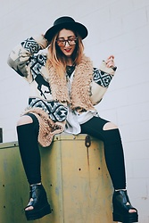 Carly Phillips - Lucky Platforms, Quay Sunglasses, Joylab Leggings, Solaris Style Tunic, Thrift Shaggy Cardigan, Thrift Horse Coat - Pep in my step