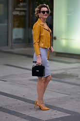 Butterfly Petty - Zaful Jacket, Zara Dress, Zara Shoes, Guess Bag - Yellow match