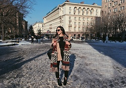 Christy Jaldori - H&M Scarf, Bershka Jacket, Apozeboutique Pants, Ojosunglasses Eyewear, Stradivarius Backpack - LET IT SNOW