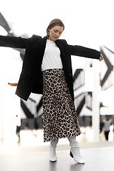 Anna Borisovna - Other Stories Blazer, Jolie Josephine Shirt, Mango Skirt, Massimo Dutti Boots - The Animal Print Skirt