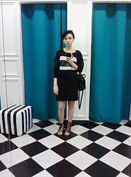 Bogena Día - Fb Sister Black Dress, Terranova Black Leather Bag, Centro Black Sandals - Through the Looking-Glass