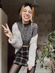 Wonderstyle - H&M Gray Turtle Neck Shirt, Primark Soft Knitted Cardigan, Asos Mini Plaid Skirt, Calzedonia Dotted Thigths - Styling Is Fun