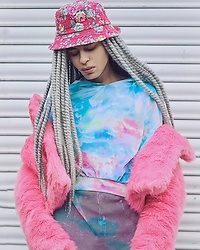 Milex X - Blue Banana Hat, Moody Me Sweatshirt, I Heart Raves T Shirt, Graphique Jacket - PASTEL OBSESSION