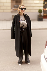 Anna Borisovna - Mellow Coat, Le Mot Shirt, Mango Pants, Massimo Dutti Shoes - The Black Coat