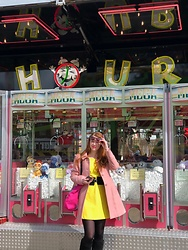 Lucka S. - New Look Coat - Fun fair