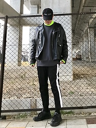 ★masaki★ - Kollaps Ambient Techno, Zara Oversized Riders Jacket, Champion Reverse Weave, Asos Side Line Pants, Nike Air Monarch - Safety green