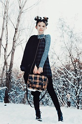 Wonderstyle - Vintage Oversized Knitted Coat, Primark Turtle Neck, Vintage Plaid Dress, Bershka Yellow Plaid Bag, Calzedonia Black Thick Tights, Dr. Martens Grunge Boots - Plaid Addiction