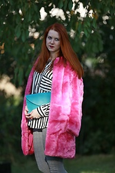 Lucka S. - Zara Shirt - Pink fur coat