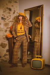 Alexe Bec - Electric West T Shirt, & Other Stories Blazer, & Other Stories Trousers - Mustard fever.