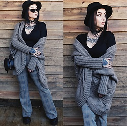 Priska Gomez - Realeyez Black Sunglasses, Stradivarius Black Round Bag, Shop One Plaid Flare Pants, Pull & Bear Black Platform Boots, Pimkie Witch Hat, Bershka Black V Neck Top, Bershka Beige Knit Coat - Cabin in the Woods