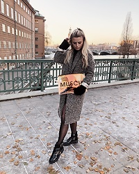 Emmy Nikolausson - Musch Bag, River Island Boots, River Island Coat - BY THE STREETS IN STOCKHOLM ~