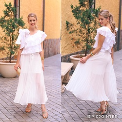 Heidi Landford - Joslin Studio Top, Zara Culottes, Forever New Sandals, Unknown Cuff, Mimco Clutch - Pleats and Ruffles