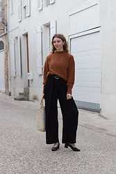 Holly Read - And Other Stories Rust Jumper, And Other Stories Black Wide Leg Trousers, And Other Stories Black Heels, Vintage Bag - Rust