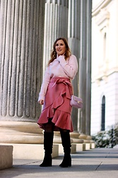 Juls Theulifestyle - Imperio Clandestino Pink Bag, Chicwish Pink Skirt - Total pink