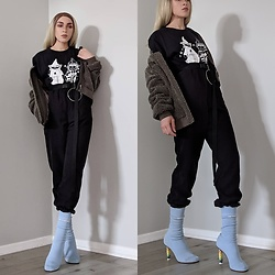 Fruitdandy - Vetements Sock Heel, Supreme Collab Tee, Undercover Collab Tee - Peep of Color