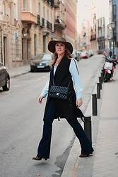 Juls Theulifestyle - Chanel Bag, Metisu Vest, Zara Hat - Boot cut jeans and my cool vest