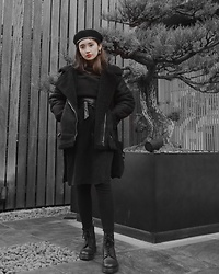 Chiemi Ito - Dr. Martens Boots, Emoda Jacket - Im back 🖤