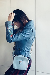 Ebrar Ozen - Stradivarius Baby Blue Bag, Koton Faux Leather Jacket - #2