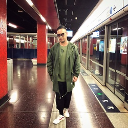 Mannix Lo - Wtaps No Collar Military Jacket, Uniqlo Waffle Tee, Gu Loose Fit Pants, Vans Style 36 Sneakers - In the end... promises are just words