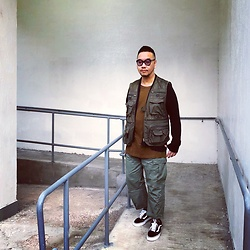 Mannix Lo - Online Shop Functional Vest, Julius Cardigan, H&M Tee, Madness Cargo Pants, Vans Old Skool Sneakers - If don't like where you are at, MOVE. You are not a tree