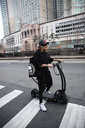 INWON LEE - Byther Cap, Byther Bag - Electric car