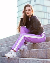 Vera Vonk - Monki Pants - City Girl