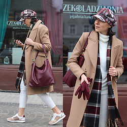 Minimalissmo .. - Wojewodzic Shopper Bag, Massimo Dutti Sneakers, Reserved Coat, Stradivarius Plaid Cap - In Poland still cold
