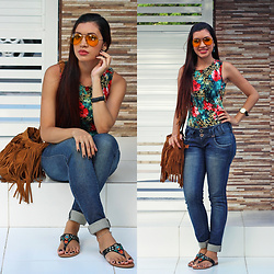 Suene Fernandes -  - Casual floral. Body + Jeans ♡ 🌼