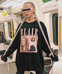 Milex X - Giant Vintage Sunglasses, Time Warp Tees Sweatshirt - BLAIR WALDORF