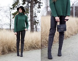 Ewa - Shein Green Jumper - Green knitted jumper
