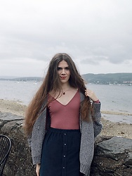 Lois H - Asos Pink Bodysuit, We Are Cow Cord Skirt, Pull & Bear Chenille Cardigan, Heather Gems Pendant Necklace - Unruly 🌊
