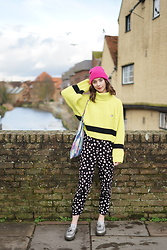 Chelsea Jade - Lazy Oaf Jumper, Collusion Trousers - LAZY OAF LIME KNIT