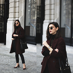 CLAUDIA Holynights - Zara Coat, Sienna Jones Bag - Burgundy