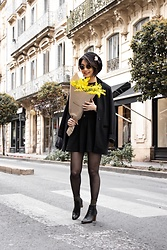 Camillemourey - Maje Manteau, Minelli Chaussures, Piece Chaussettes, New Look Jupe, Jimmy Fairly Lunettes - Flower power