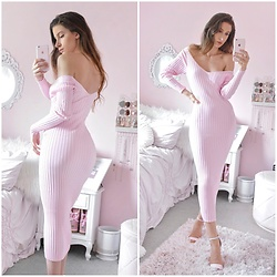 Tia Mcintosh - Instagram Post, Joyfunear Pink Ribbed Dress - Cozy pink dress