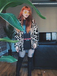 Samantha Elise - Over The Knee Socks, Fish Net Tights, Blade Runner 2049 T Shirt, Gypsy Warrior Upside Down Cross Necklace, H&M Yellow Sunnies, Primark Faux Fur Jacket, Dr. Martens Boots - I'm leaving the house today