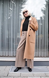 Reni E. -  - Checked culottes and camel coat