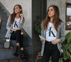 Jenny M - Calvin Klein Cropped Sweater, Zara Black Skinny Jeans, Sam Edelman Studded Leather Booties, H&M Plaid Blazer - PLAID CHIC // thehungarianbrunette.com