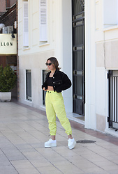 Claudia Villanueva - Pull & Bear Jacket, Shein Top, Bershka Pants, Superga Sneakers - In love my neon pants