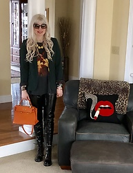 Shannon D - Vintage Jimi Hendrix T Shirt, Louis Vuitton Boots, Givenchy Necklace, Shannon Koszyk Leather Cuff, Hermès Bag, Blankny Black Vinyl Pants, Chloé Sunglasses - Rock N Roll Vibes