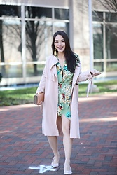 Kimberly Kong - Pretty Little Thing Floral Mini Dress - First Class Style: Class of PrettyLittleThing