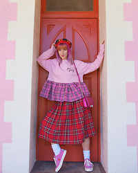 Kate Hannah - Tam O Shanter (Vintage), Tallulahs Threads Girl Gang Sweater, Converse Hello Kitty One Star - Plaid Princess