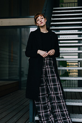 Tea M - Bershka Wide Legged Pants, Bershka Black Coat, Uniqlo Black Wooly Jumper - Daily grayness
