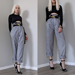 . . - Frankie Collective Reworked Supreme Top, Heron Preston Belt, Yves Saint Laurent Black Heel - Sus