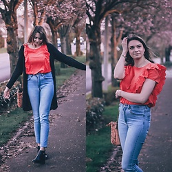 Audrey - Le Closet Top, H&M Jeans, Brandy Melville Usa Cardigan - Hello spring