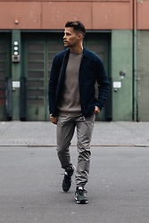 Kevin Elezaj - New Balance Sneakers, Topman Pants, Cheap Monday Sweater, Samsoe Vest - Tones
