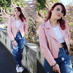 Carina Gonçalves - Zara Leather Jacket, Bershka Crop Top, Pull & Bear Jeans, Adidas Sneakers - 'Cause you're a natural A beating heart of stone