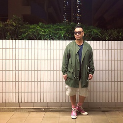 Mannix Lo - Wtaps No Collar Military Jacket, H&M Print Tee, Uniqlo Cargo Shorts, Converse Chuck Taylor All Star 70s - The key to life: know when to fight and know when to give up