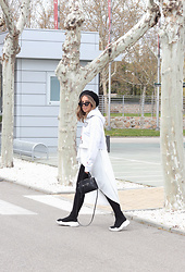 Claudia Villanueva - Bershka Hoodie, Shein Shirt, H&M Bag, Amaretto Shop Sneakers - How I style an asymmetrical shirt