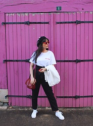 Pretty-Roxanne Stratmains ☥ - Sojos Cat'S Eye Sunglasses, Modetrotter « Folie Douce » White Tee Shirt, H&M Black Pants, La Halle White Sneakers, Bershka White Blazer - Folie douce 🌸